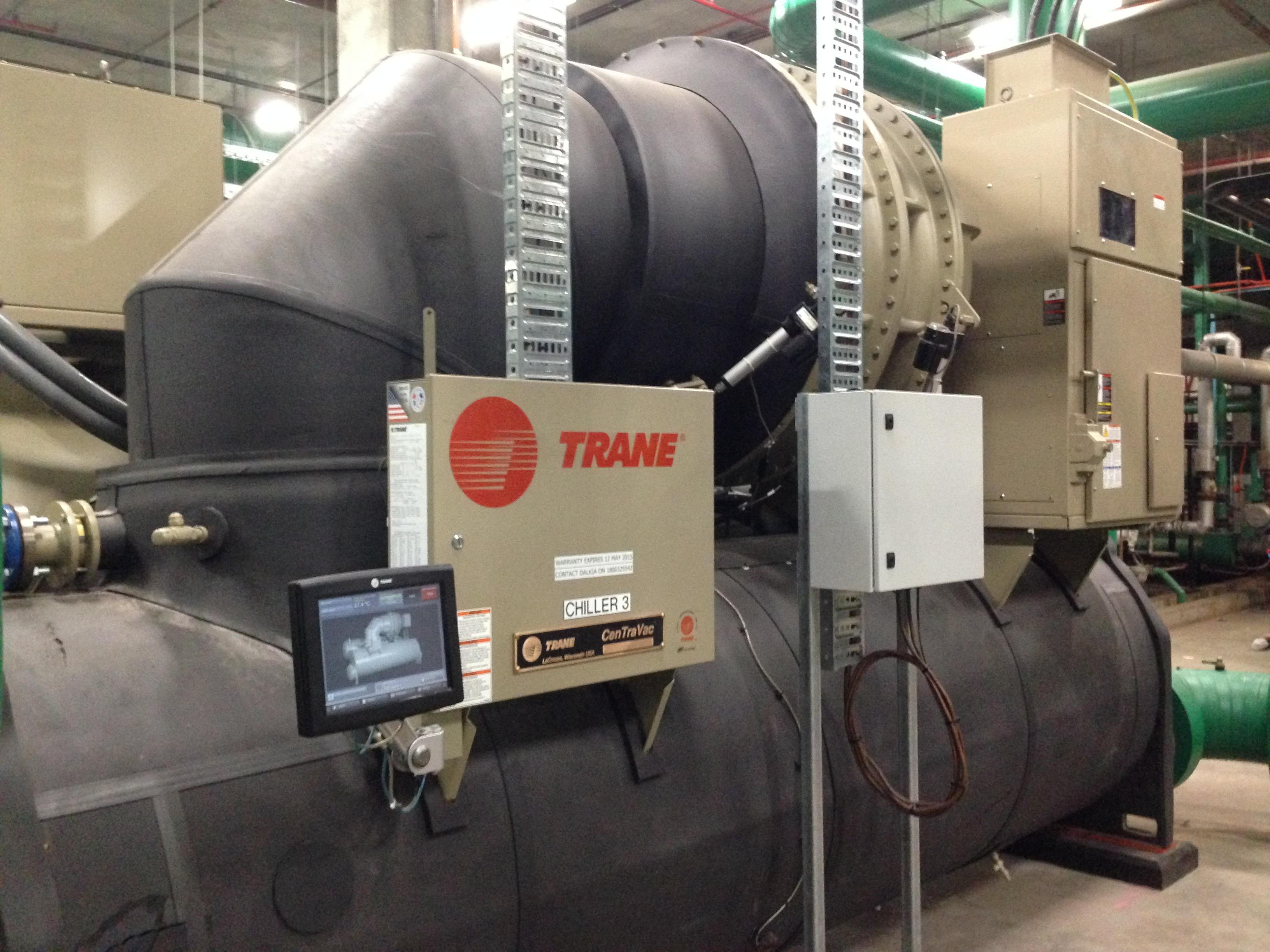 Chillers | Trane | UC800 & Adaptiview Controls